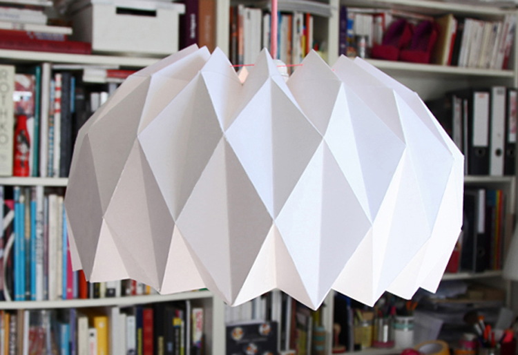 diy une jolie suspension origami lemonrock. Black Bedroom Furniture Sets. Home Design Ideas